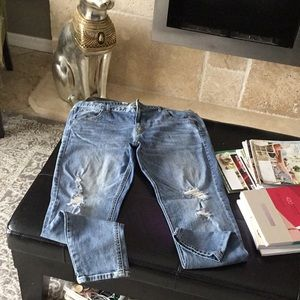 MOSSIMO DESTRESSED,BOYFRIEND JEAN